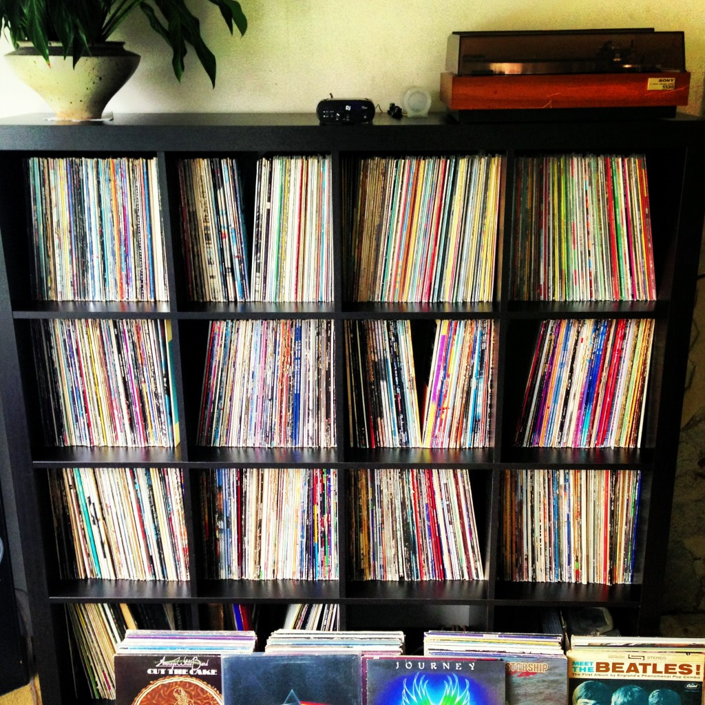 vinyl-collection-IKEA-shelf